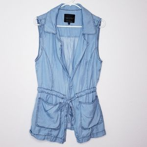 Sanctuary chambray vest tie and snap front size L